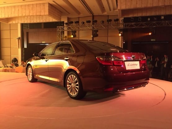 Toyota Camry Facelift 2015: Get features, specifications & highlights
