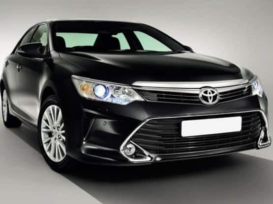 Toyota Camry 2015 to be Launched on April 30: Get expected price, features and specification of new Camry facelift