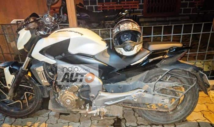 Bajaj Dominar 400 with cracked mono-shock