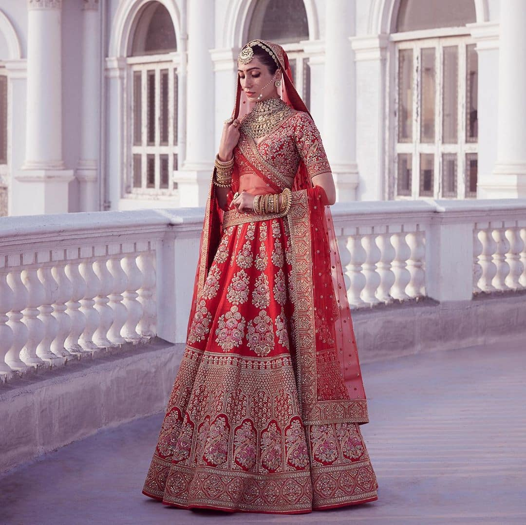 Sabyasachi mukherjee lehanga