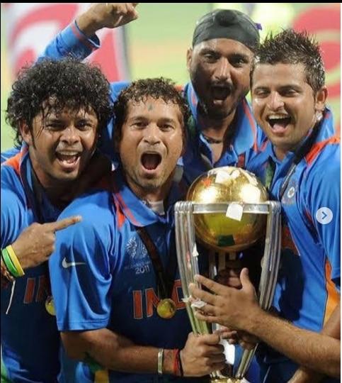 Sreesanth with world cup trophy sachin tendulkar
