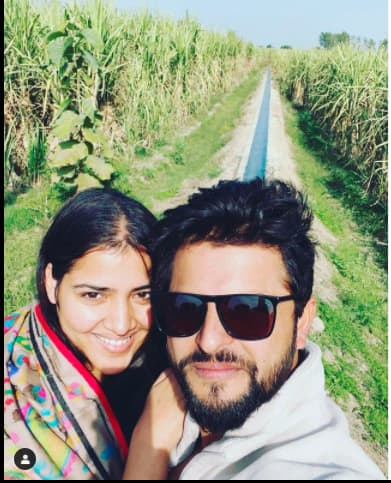 Suresh raina with wife priyanka raina