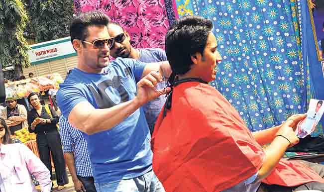 Salman Khan becomes a barber