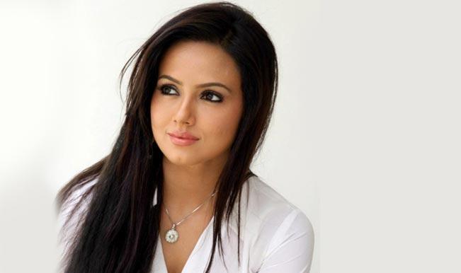 Sana Khan birthday special: Watch controversial Ye To Bada Toing Hai Amul Macho ad