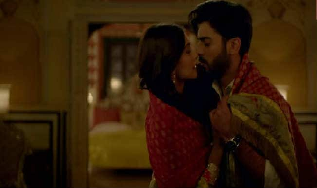 Khoobsurat song Naina video: Fawad Khan and Sonam Kapoor get cosy in this  romantic number | India.com