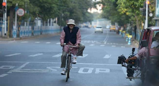 Piku first look: Amitabh Bachchan rides bicycle, reminiscing old days in Kolkata