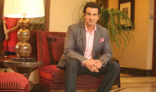 'Itna Karo Na Mujhe Pyaar' actor Ronit Roy: I am a recluse