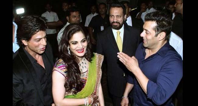 UNCUT: Shah Rukh Khan and Salman Khan bond over Arpita Khan's wedding reception!