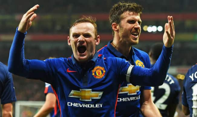 Manchester United jump to 4th in Barclays Premier League with 2-1 win against Arsenal