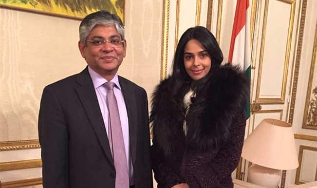 Ouch! Mallika Sherawat to show 'Dirty Politics' to French politicos