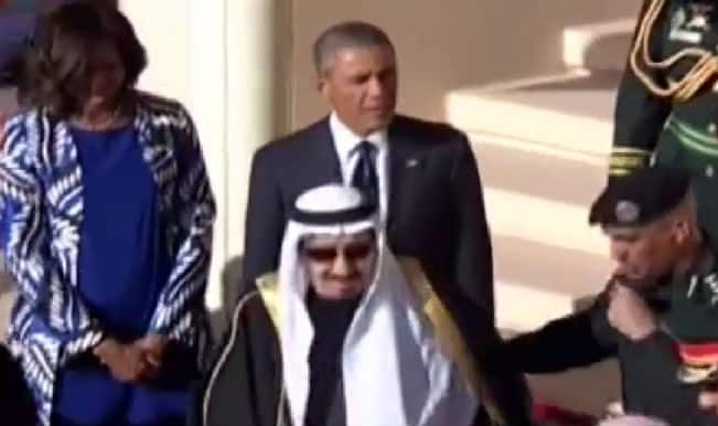 Barack Obama in Saudi Arabia: US President left alone on arrival by King Salman (Watch video)