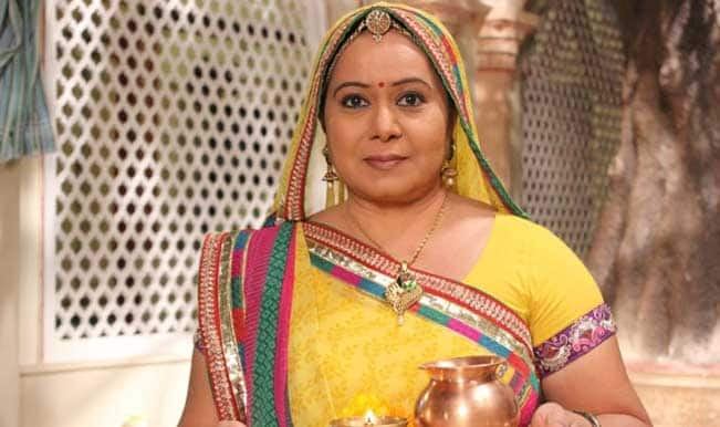 Diya Aur Baati Hum: Why does Bhabho agree to let Sooraj and Sandhya give their child away?