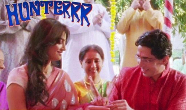 Hunterrr song Naina: Gulshan Devaiah attempts to impress Radhika Apte!
