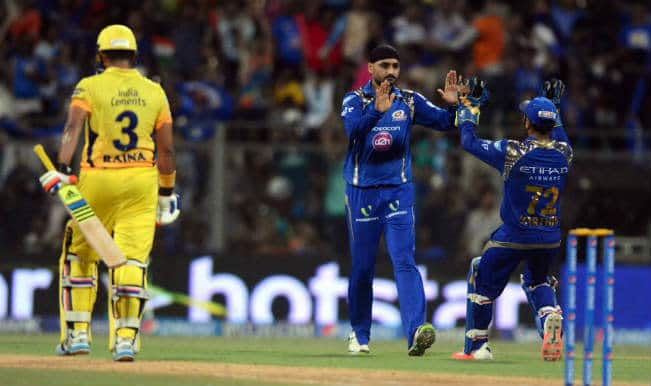Suresh Raina Out! MI vs CSK IPL 2015 Final: Watch Video highlights of Fall of Wicket