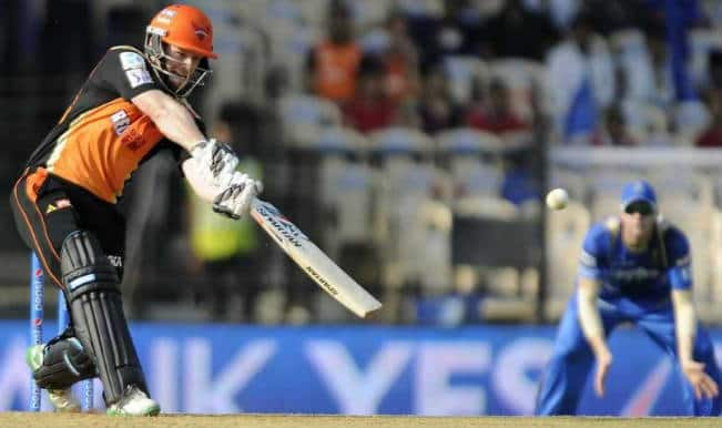 Sunrisers Hyderabad stay in IPL 2015 hunt after beating Rajasthan Royals by seven runs