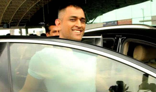MS Dhoni dons new look, flaunts short hairstyle! See Pictures