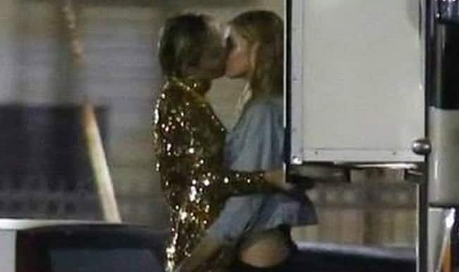 Full video: Miley Cyrus making out in parking lot with Stella Maxwell, Victoria's Secret Angel!