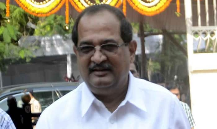 Radhakrishna Vikhe Patil demands suspension of SP in Mahuli Jehangir case