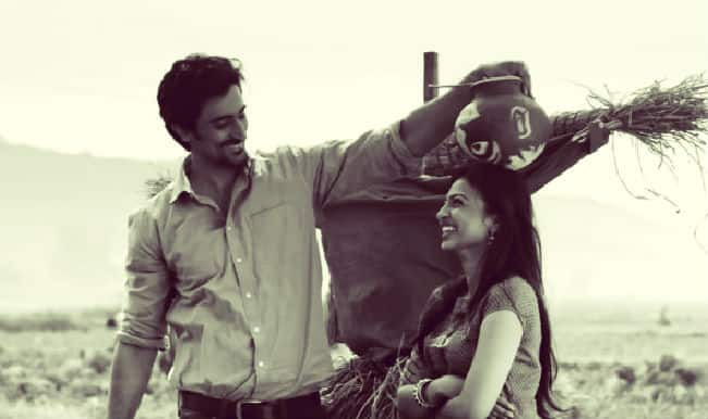 Kunal Kapoor and Radhika Apte starrer Kaun Kitney Paani Mein second trailer has been released