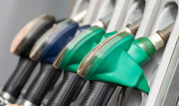 Fuel Prices Drop; Petrol Sold at Rs 73.42/Litre in Delhi, Rs 79.03/Litre in Mumbai