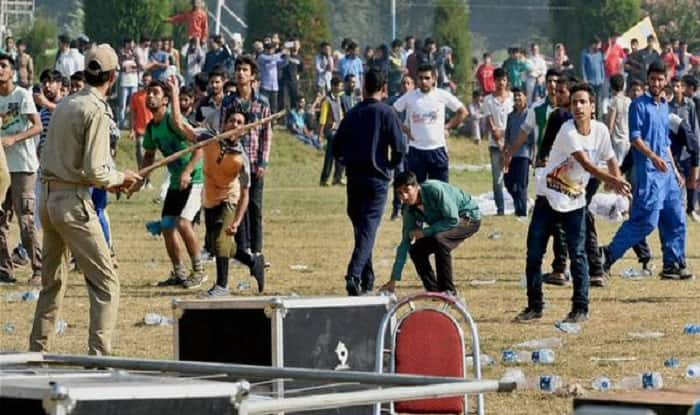 Kashmir marathon ruined by anti-India protests; Pakistan flags raised, stones pelted at participants (Watch Video)