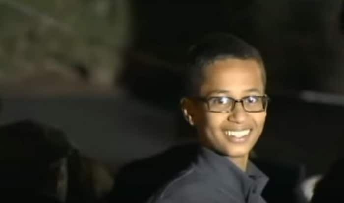 'Clock' boy Ahmed Mohamed meets Barack Obama, says he wants to bring peace to the world