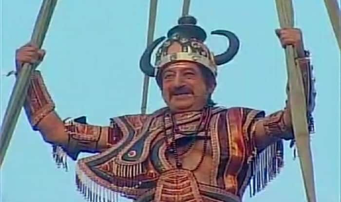 Is this Shakti Kapoor dressed as Rawan in Red Fort?