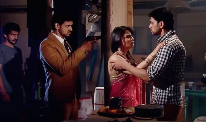 Meri Aashiqui Tum Se Hi: Why couldn't Ishani spot the difference when she almost met Ranveer?