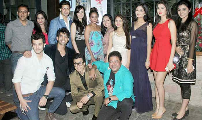 Viral fever hits Mere Angne Mein team