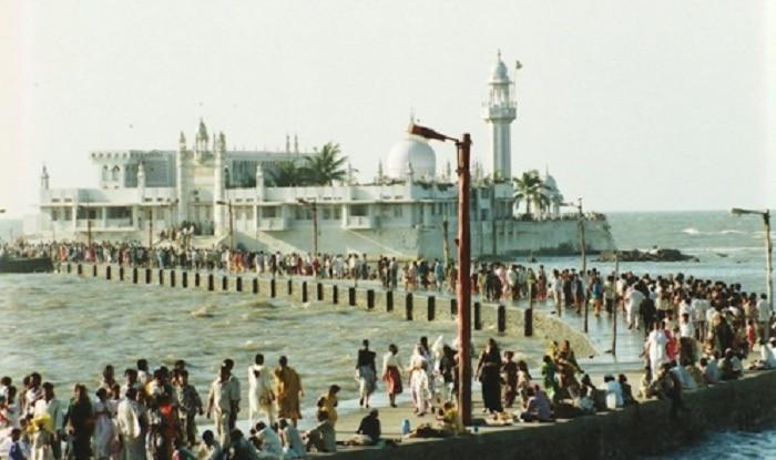 After Shani Shingnapur, Muslim women protest at Haji Ali Dargah demanding entry inside holy sanctorum