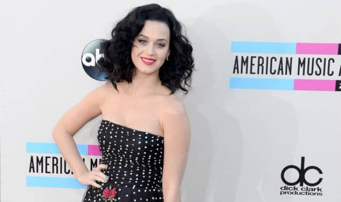 Katy Perry to spend her birthday with Hillary Clinton