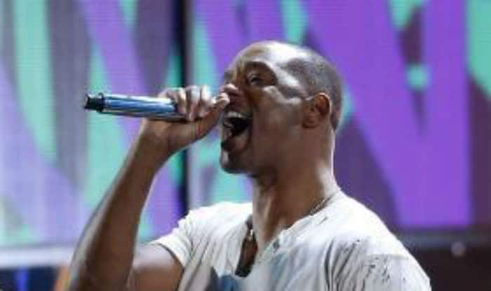Back with a Bang! Will Smith performs after decade