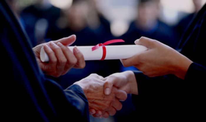 Sikh body gives scholarships worth USD 200,000 to students in Punjab