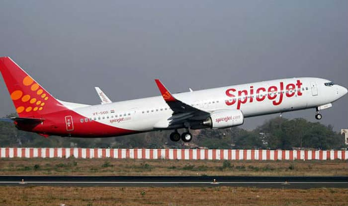 SpiceJet flies into Rs 24-crore Q2 profit on lower expenses