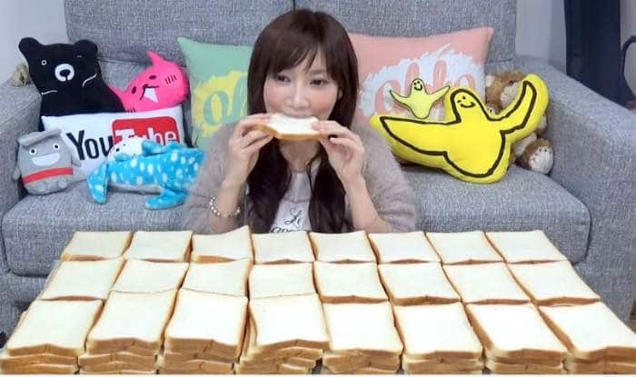 This Japanese girl eats 100 pieces of bread in one sitting & her video is going viral