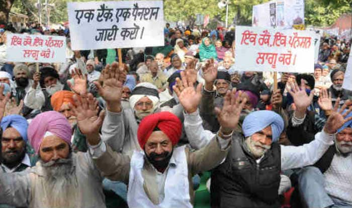 OROP protest: Congress takes out candle light marches in Kashmir