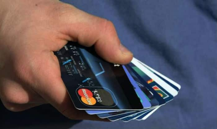 Shopping Mall Staff Steals Credit Card Info of 1,300 Customers by Memorising it