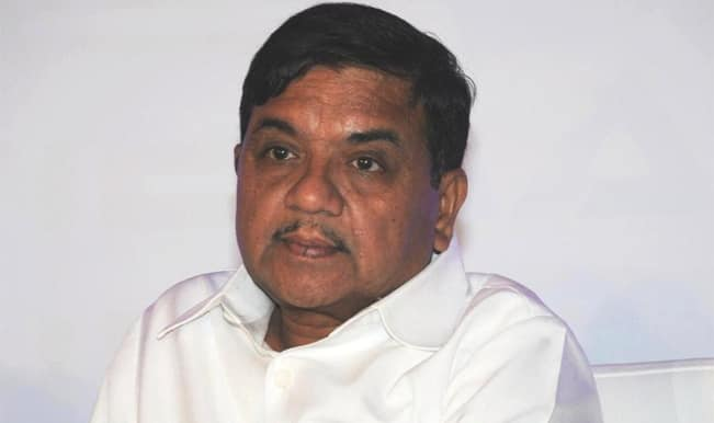 R R Patil's wife Suman Patil and daughter Smita survive road accident