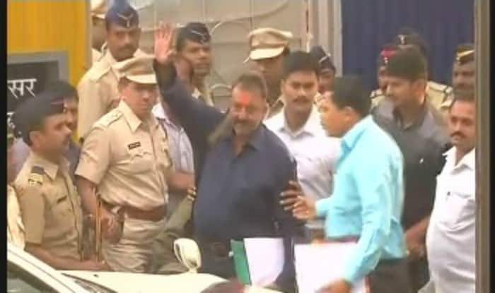 Sanjay Dutt released from Yerwada jail, here's his day-long schedule