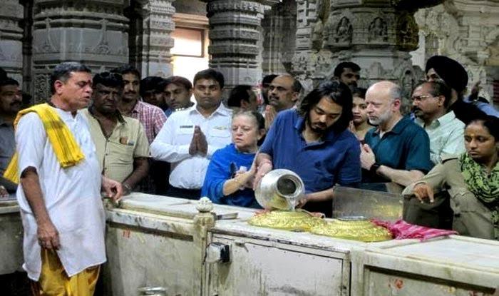 Uttarakhand CM Makes Mukesh Ambani's Son Anant Member of Badrinath Kedarnath Temple Committee