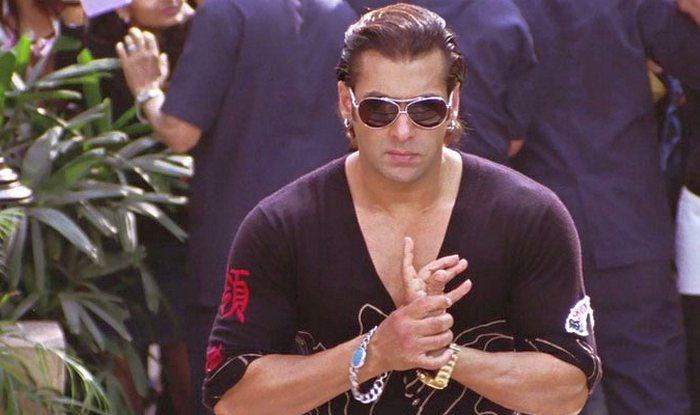 Mumbai: Fans go crazy as Salman Khan graces bike stunt event