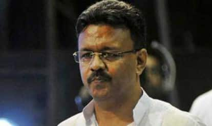 TMC Leader Firhad Hakim Steps Down as Kolkata Municipal Chairman on EC Advisory