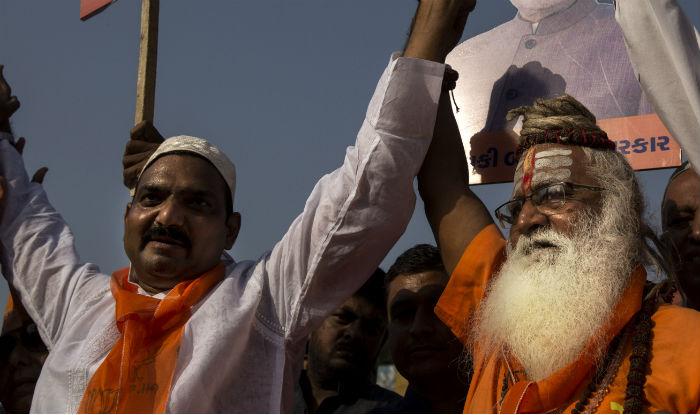 Ayodhya Verdict: 'Hindu Muslim Bhai Bhai' Trends on Twitter Ahead of Supreme Court Judgement