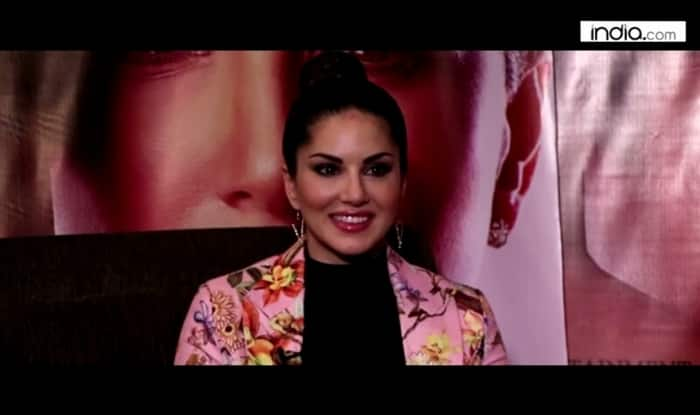 Sunny Leone Exclusive Interview: Gorgeous diva opens up about her life, Shah Rukh Khan & One Night Stand! (Watch video)
