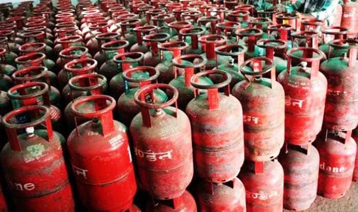 Ujjwala Yojana: Government Plans to Open 6000 New Gas Agencies, Say