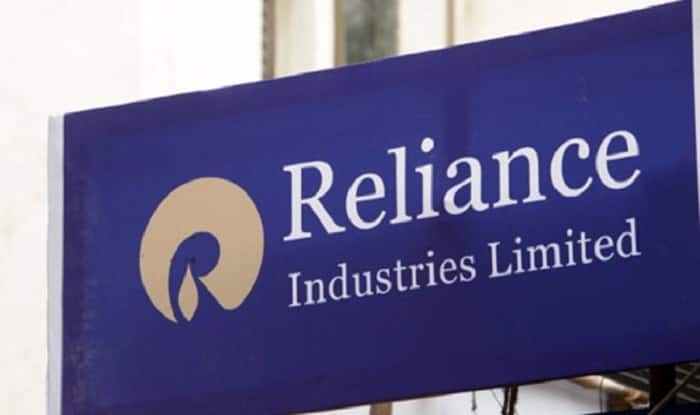RIL to pump in Rs 15,000 crore in Jio through rights issue