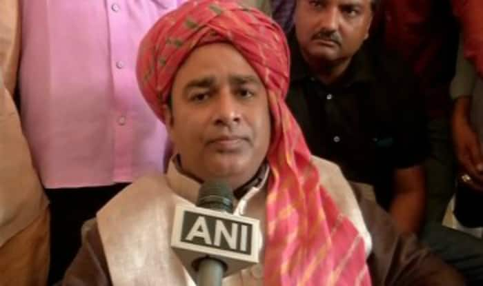 "Sangeet Som to embark on ""Paidal Nirbhay Yatra"", says won't let Uttar Pradesh turn into Kashmir"