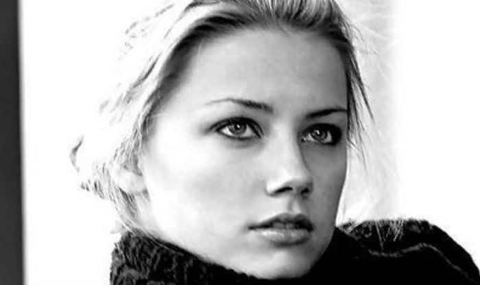 Amber Heard meets ex-girlfriend amid legal battle with Johnny Depp