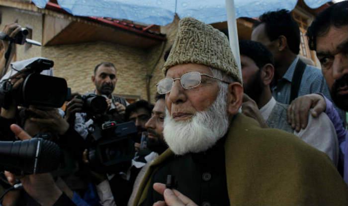 Kashmir unrest: Separatists' Anantnag march foiled; Syed Ali Shah Geelani, Mirwaiz Umar Farooq detained