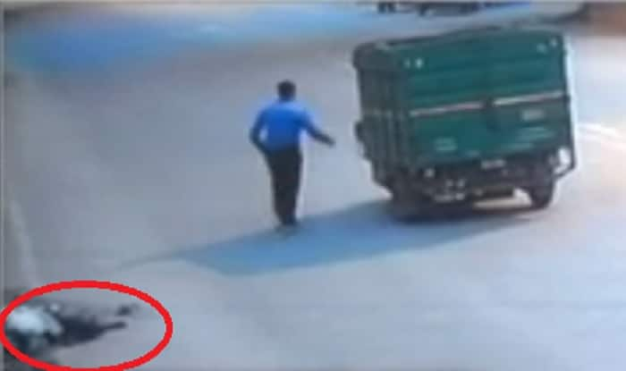 Humanity shamed in Delhi: Hit-and-run victim bleeds to death on road; gets robbed too! (Watch shocking video)